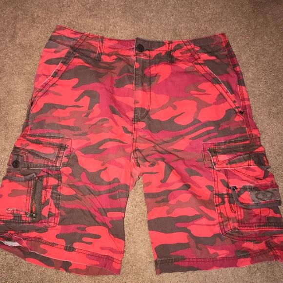 754cf939fb Union Bay Red Camo 8 Pocket Men's Cargo Shorts. M_5aaefef4f9e50105176953b1
